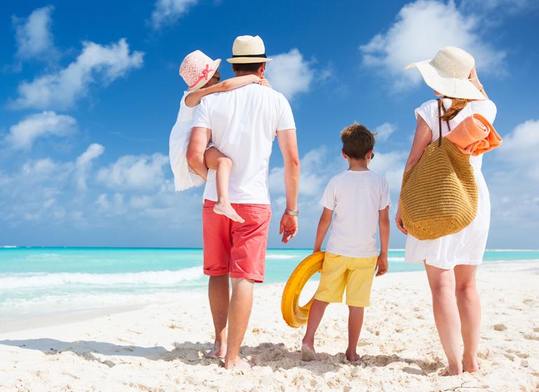 Ayo-Jaga-Kesehatan-Keluarga-Anda-selama-Liburan_web-1