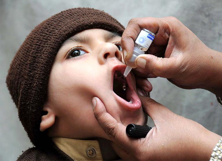 vaksinasi-cegah-poluio-pada-anak-web